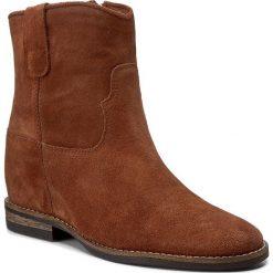 Botki CARINII - B4125 J50-000-PSK-B89. Brązowe buty zimowe damskie Carinii, z materiału, na obcasie. W wyprzedaży za 209,00 zł.