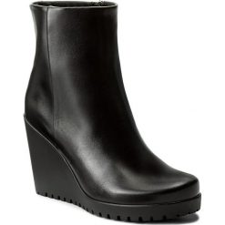 Botki GINO ROSSI - Miquela DBH093-145-E100-9900-F 99. Czarne buty zimowe damskie marki Gino Rossi, ze skóry, na obcasie. W wyprzedaży za 269,00 zł.