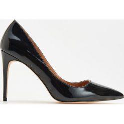 Czółenka na wysokim obcasie - Czarny. Czarne buty ślubne damskie Reserved, na wysokim obcasie. Za 139,99 zł.