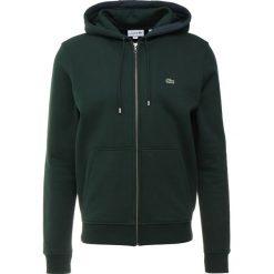 Lacoste Bluza z kapturem sinople. Zielone bluzy męskie rozpinane Lacoste, m, z bawełny, z kapturem. Za 509,00 zł.