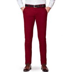 Spodnie Bordowe Chino Paul. Czerwone chinosy męskie LANCERTO, w kolorowe wzory, z bawełny. Za 299,90 zł.