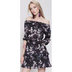 Sukienki hiszpanki: Czarna Sukienka Honest