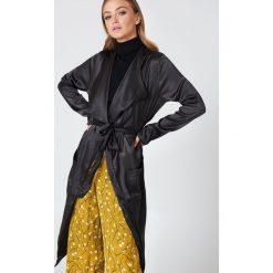 Rut&Circle Kurtka Issie - Black. Zielone kurtki damskie marki Rut&Circle, z dzianiny, z okrągłym kołnierzem. Za 161,95 zł.