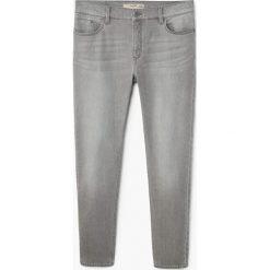 Mango Man - Jeansy Jude3. Szare jeansy męskie regular Mango Man, z bawełny. Za 139,90 zł.