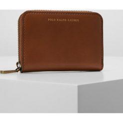 Polo Ralph Lauren AMY ZIP WALLET Portfel saddle. Brązowe portfele damskie marki Polo Ralph Lauren. Za 549,00 zł.