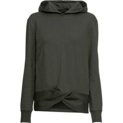Bluza z efektem przewiązania bonprix nocny oliwkowy. Zielone bluzy z kapturem damskie bonprix. Za 74,99 zł.