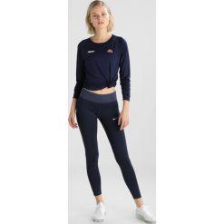 Ellesse MAZARINE Koszulka sportowa peacoat. Niebieskie t-shirty damskie Ellesse, z elastanu, z długim rękawem. Za 209,00 zł.