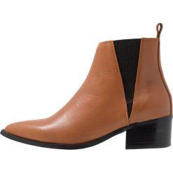 E8 BY MIISTA ULA Ankle boot tan. Brązowe botki damskie na zamek E8 BY MIISTA, z materiału. Za 549,00 zł.