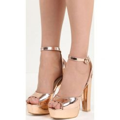 Szampańskie Sandały Only You. Brązowe sandały damskie na słupku marki Born2be, z lakierowanej skóry, na wysokim obcasie. Za 69,99 zł.
