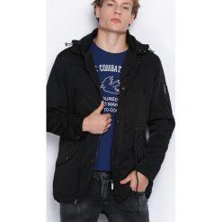 Czarna Kurtka Story Of My Life. Czarne kurtki męskie zimowe marki Born2be, l, z aplikacjami, z dresówki. Za 139,99 zł.