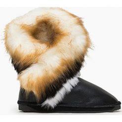 Czarne Śniegowce Amishi. Czarne buty zimowe damskie marki TOMMY HILFIGER, z materiału. Za 49,99 zł.