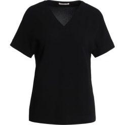 Strenesse TOBIA Bluzka black. Czarne bluzki asymetryczne Strenesse, z materiału. W wyprzedaży za 503,40 zł.