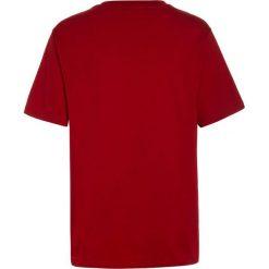 Polo Ralph Lauren GRAPHIC  Tshirt z nadrukiem red. Czerwone t-shirty chłopięce Polo Ralph Lauren, z nadrukiem, z bawełny. Za 149,00 zł.