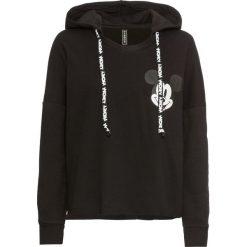 Bluza z kapturem i nadrukiem Myszki Miki bonprix czarny. Czarne bluzy z kapturem damskie marki bonprix, z nadrukiem. Za 99,99 zł.