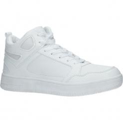 Białe buty sportowe sznurowane Casu B9609. Białe halówki męskie marki Casu, na sznurówki. Za 49,99 zł.