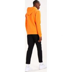Swetry damskie: Soulland GUY LOGO EMBROIDERY Bluza z kapturem orange