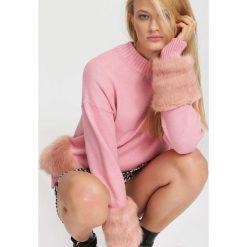 Różowy Sweter Highs And Lows. Czerwone swetry klasyczne damskie marki other, na jesień, l. Za 99,99 zł.
