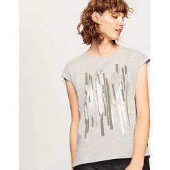 T-shirt z nadrukiem - Jasny szar. Szare t-shirty damskie marki Reserved, m, z nadrukiem. Za 29,99 zł.