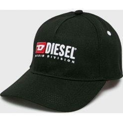 Diesel - Czapka. Czarne czapki z daszkiem damskie Diesel, z poliesteru. W wyprzedaży za 229,90 zł.