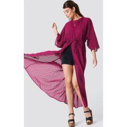 NA-KD Boho Sukienka-płaszcz z szyfonu - Purple. Fioletowe płaszcze damskie pastelowe NA-KD Boho, z szyfonu, boho. Za 161,95 zł.