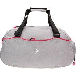 Torba sportowa damska TPD603 - chłodny jasny szary - Outhorn. Szare torby podróżne Outhorn, z materiału. W wyprzedaży za 59,99 zł.