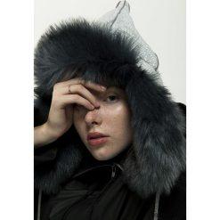 Żakardowa czapka zimowa. Czarne czapki zimowe damskie Pakamera, z żakardem. Za 180,00 zł.