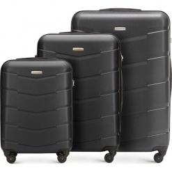 Zestaw walizek 56-3A-40S-10. Czarne walizki marki Wittchen, z gumy, duże. Za 583,11 zł.
