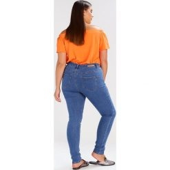 Lost Ink Plus SKINNY JEAN IN MARSHMALLOW Jeans Skinny Fit light blue. Niebieskie jeansy damskie marki Lost Ink Plus, z bawełny. Za 189,00 zł.