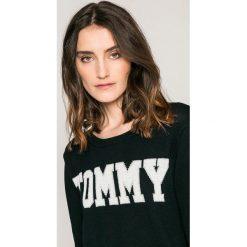 Tommy Hilfiger - Sweter Rachel. Czarne swetry oversize damskie TOMMY HILFIGER, m, z bawełny. W wyprzedaży za 399,90 zł.