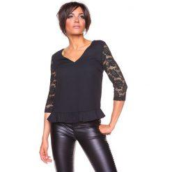 """Koszulka """"Carla"""" w kolorze czarnym. Czarne bluzki koronkowe La Belle Française, s. W wyprzedaży za 130,95 zł."""