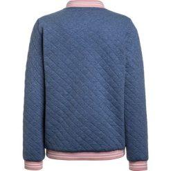 Lacoste SJ294700 Bluza rozpinana flottille chine fonce. Niebieskie bluzy dziewczęce rozpinane Lacoste, z bawełny. W wyprzedaży za 350,10 zł.
