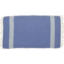 Kąpielówki męskie: Ręcznik w kolorze niebieskim