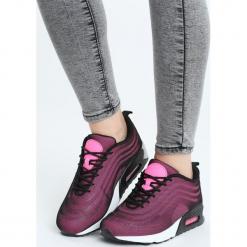 Różowe Buty Sportowe Citified. Czerwone buty sportowe damskie marki KALENJI, z gumy. Za 99,99 zł.