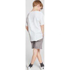 Odzież dziecięca: Mango Kids – T-shirt dziecięcy Pics 110-164 cm