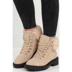Beżowe Traperki Fancy Crazy. Czerwone buty zimowe damskie marki Reserved, na niskim obcasie. Za 89,99 zł.