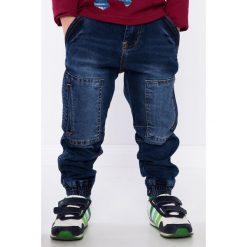 Chinosy chłopięce: Spodnie jeansowe chłopięce z kieszeniami NDZ204