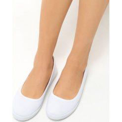 Baleriny damskie lakierowane: Białe Balerinki Valerian