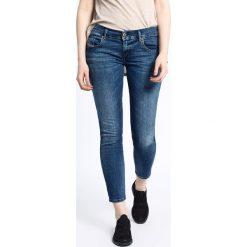 Diesel - Jeansy Grupee-Ankle. Niebieskie jeansy damskie rurki Diesel, z obniżonym stanem. W wyprzedaży za 319,90 zł.