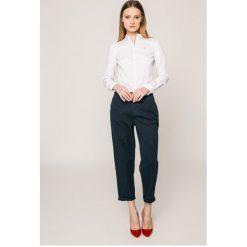 Tommy Jeans - Koszula. Szare koszule jeansowe damskie Tommy Jeans, l, casualowe, z długim rękawem. W wyprzedaży za 259,90 zł.