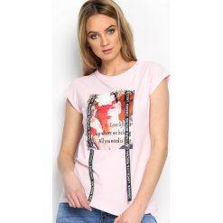 Różowy T-shirt Pop Art. Czerwone bluzki damskie marki Born2be, s. Za 49,99 zł.