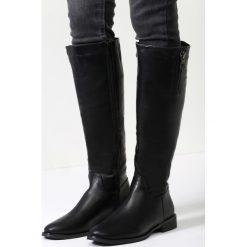 Czarne Kozaki Desolation Row. Czarne buty zimowe damskie vices, na płaskiej podeszwie. Za 139,99 zł.