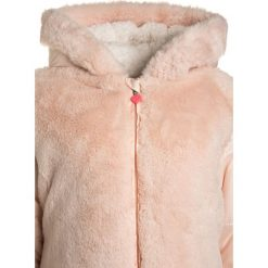 Billieblush Kurtka zimowa hell rose. Czerwone kurtki chłopięce zimowe Billieblush, z materiału. W wyprzedaży za 303,20 zł.