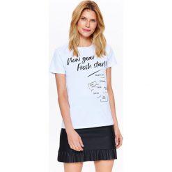 T-shirty damskie: T-SHIRT DAMSKI BIAŁY Z NAPISAMI – POSTANOWIENIA NOWOROCZNE
