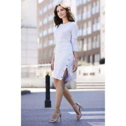 Sukienka z rozcięciem k464. Szare sukienki balowe Global, s, z dzianiny, dopasowane. W wyprzedaży za 129,00 zł.