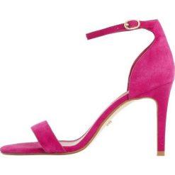 Dune London MORTIMER Sandały na obcasie pink. Czerwone sandały damskie Dune London, z materiału, na obcasie. Za 379,00 zł.