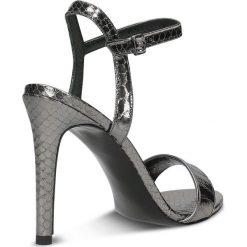 Sandały GINA. Szare sandały damskie marki Gino Rossi, w paski, z materiału, małe. Za 199,90 zł.