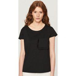 T-shirt z krótkimi rękawami - Czarny. Białe t-shirty damskie marki Reserved, l, z dzianiny. Za 29,99 zł.