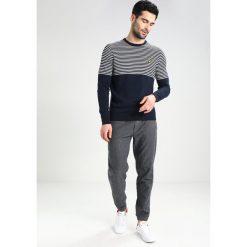Swetry klasyczne męskie: Lyle & Scott HALF BRETON JUMPER Sweter dark blue