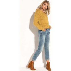 Żółty Krótki  Klasyczny Sweter z Dekoltem V. Żółte swetry oversize damskie Molly.pl, uniwersalny, z dzianiny. Za 139,90 zł.