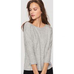 Swetry klasyczne damskie: Sweter z koronką – Jasny szar